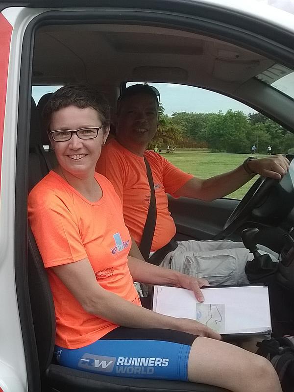 Janneke navigeert Chauffeur Guus overla naar toe
